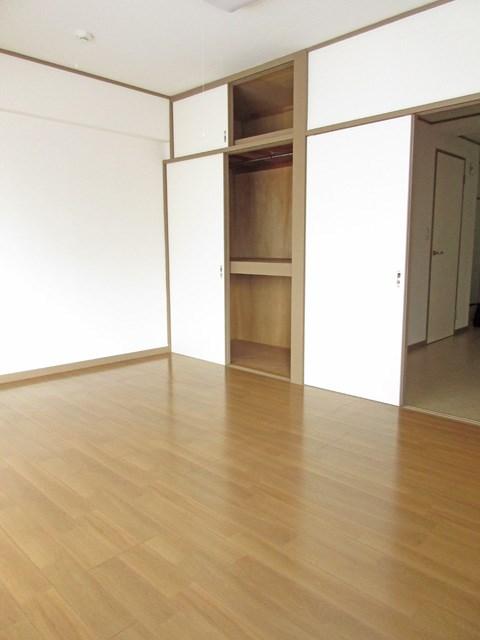 シャトー山崎 ベッドルーム