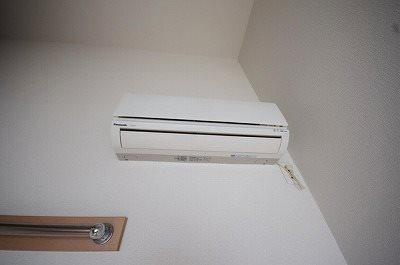 エアコンは残置物扱いになります