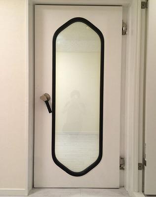 まるでスタジオ仕様のスチール製防音ドア