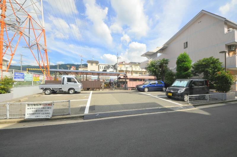 松岡マンションⅡ 駐車場