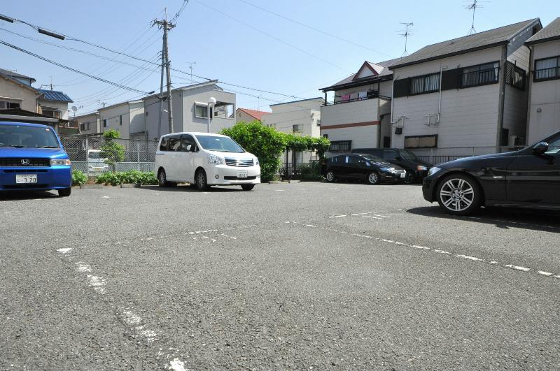 コルティーレ緑ヶ丘 駐車場