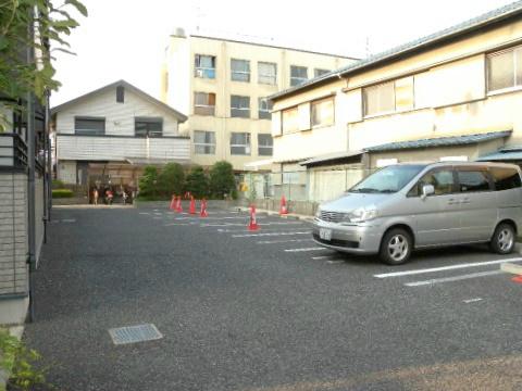 大阪府八尾市山城町5丁目1-7 駐車場