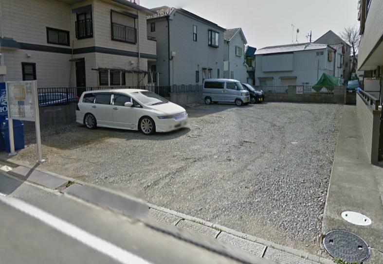 小宮信彦駐車場 外観