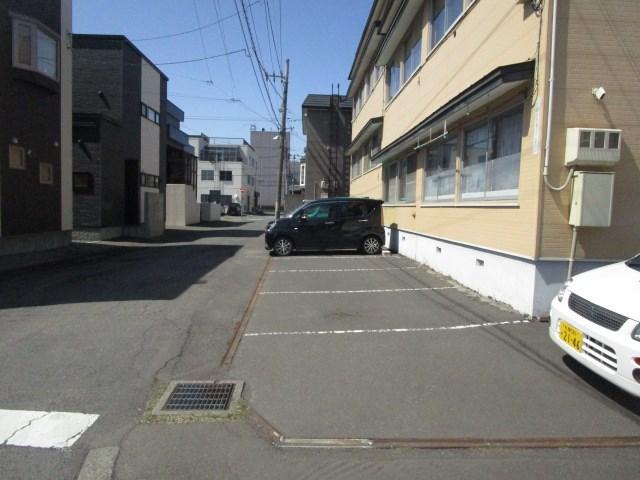 不二社宅 駐車場