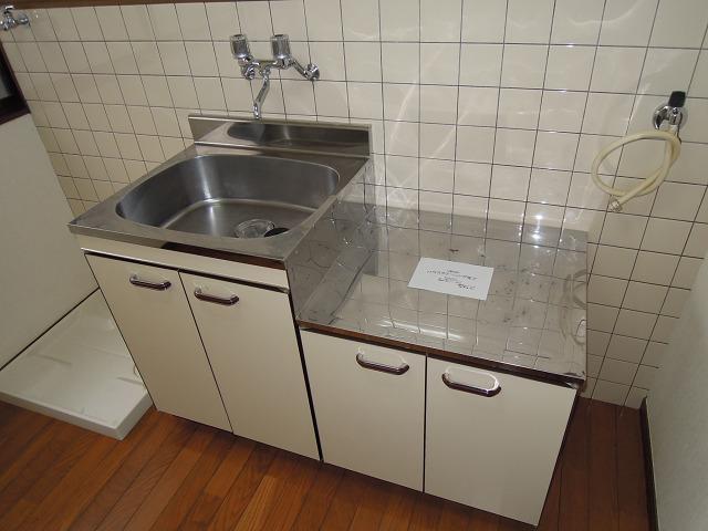 シャルマンコーポイナバ キッチン