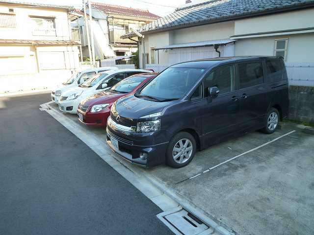 飯塚(幸雄)駐車場 1.号室 外観