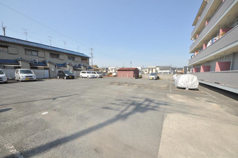 小畑コーポラス 駐車場