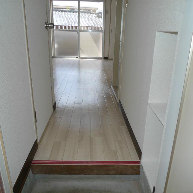 エクセル和白 玄関