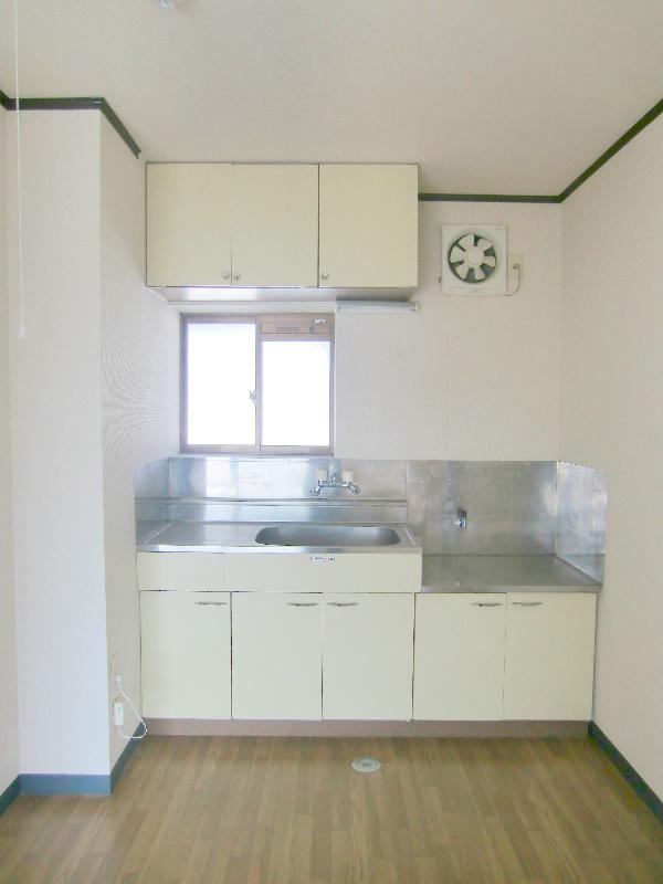 ファミール神田 キッチン