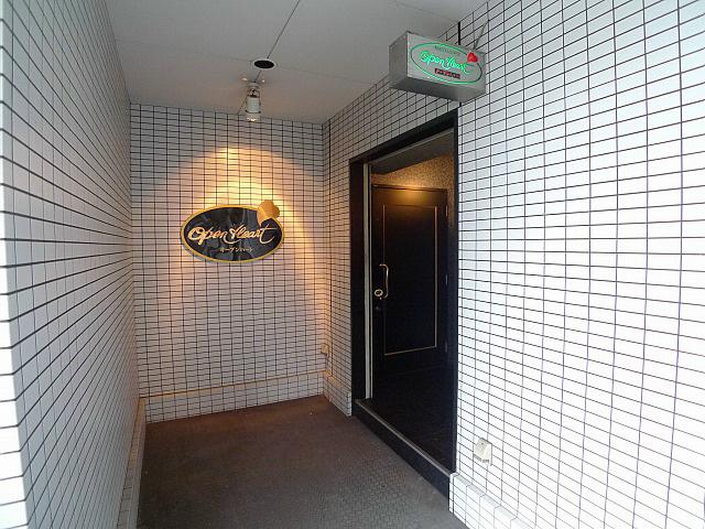 78ビル 玄関