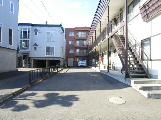 古川荘 駐車場