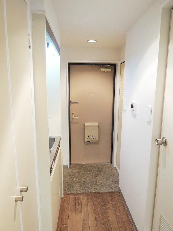 ライオンズマンション新横浜B館 玄関