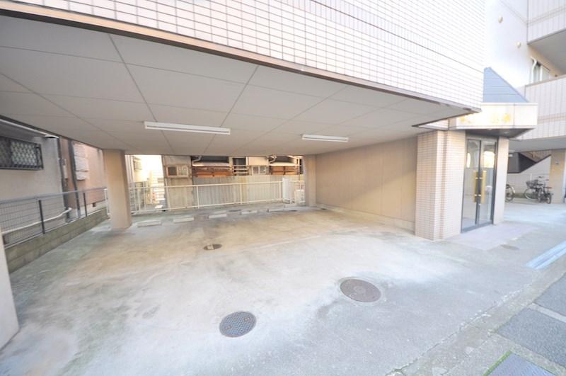 VIVI山本 駐車場