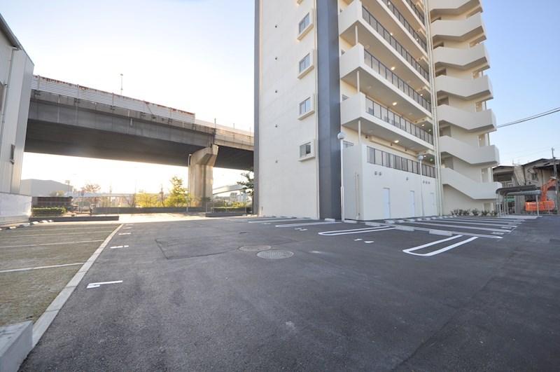 ラ・フォーレ久宝園 駐車場