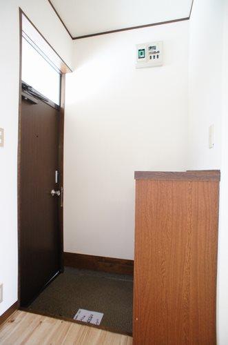 ハイツタチザワ2号棟 玄関