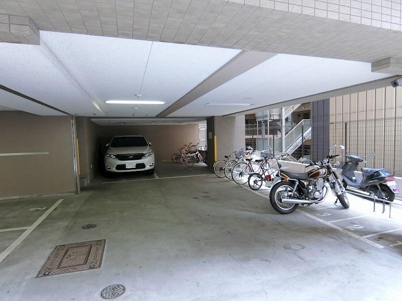 エイペックス心斎橋東 駐車場