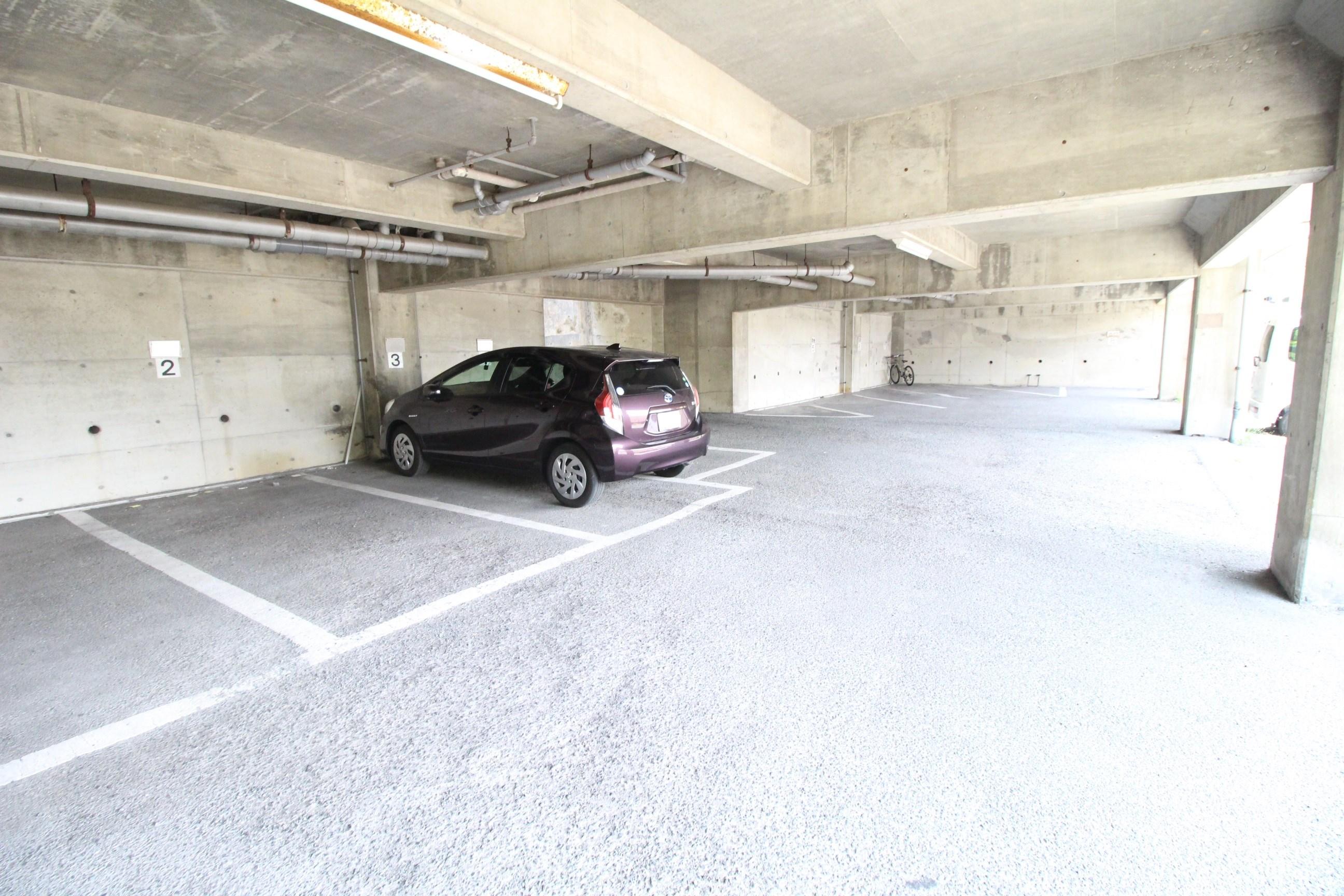 泰平ビルコーポ 駐車場