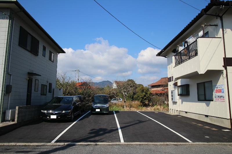 副田ハイツ 駐車場