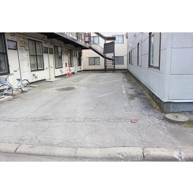 コーポ愛 駐車場
