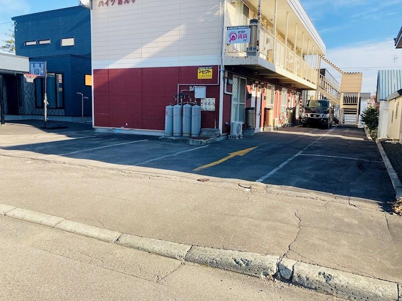 ハイツあんり 駐車場