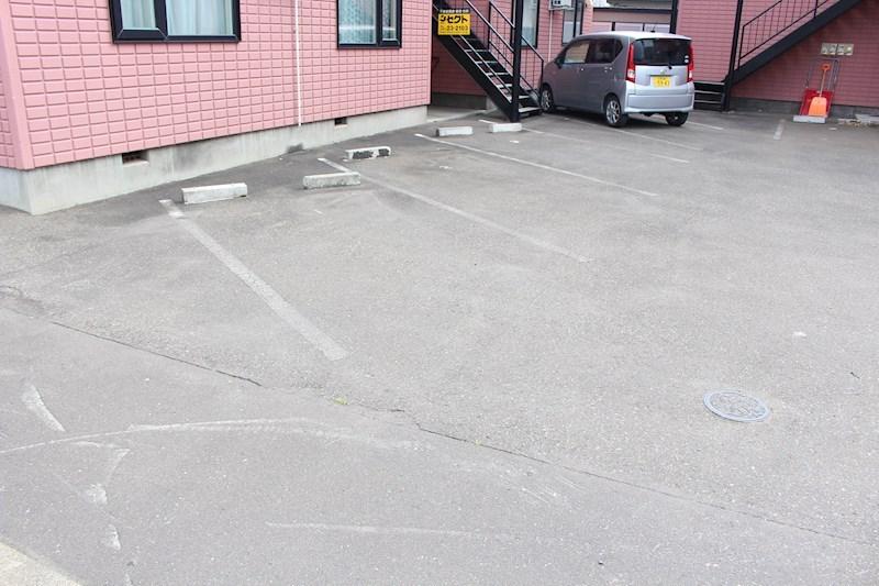 ミントハウス寿1 駐車場