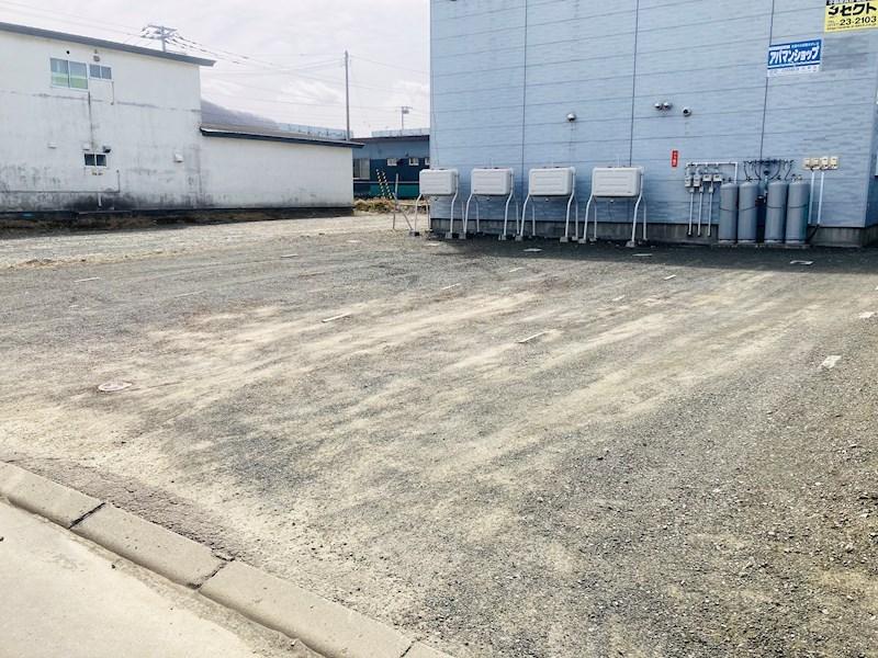Cord-9 駐車場