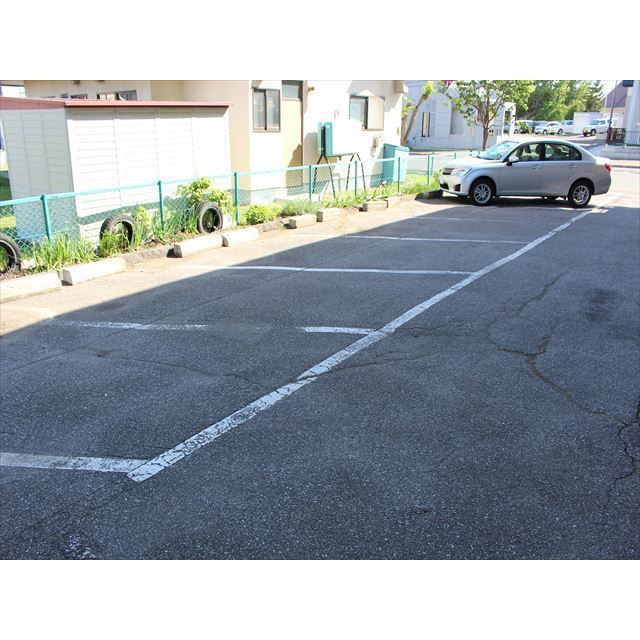 コーポやました 駐車場
