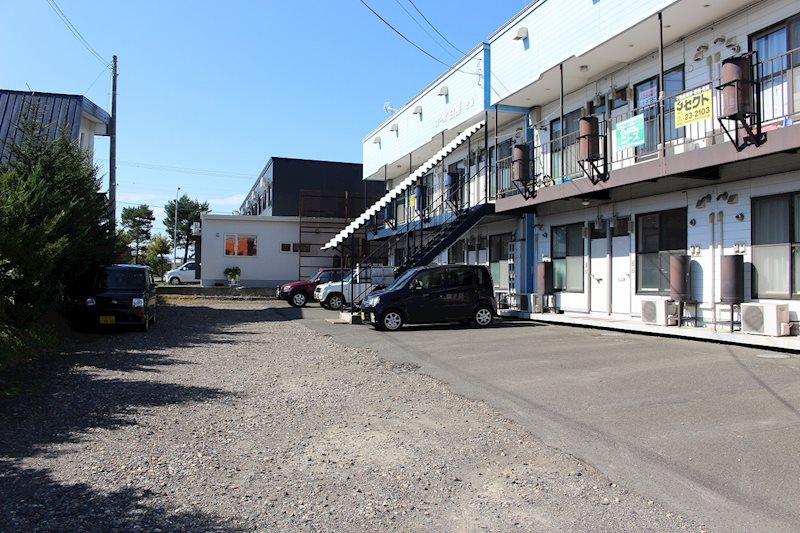 コーポ白亜 駐車場