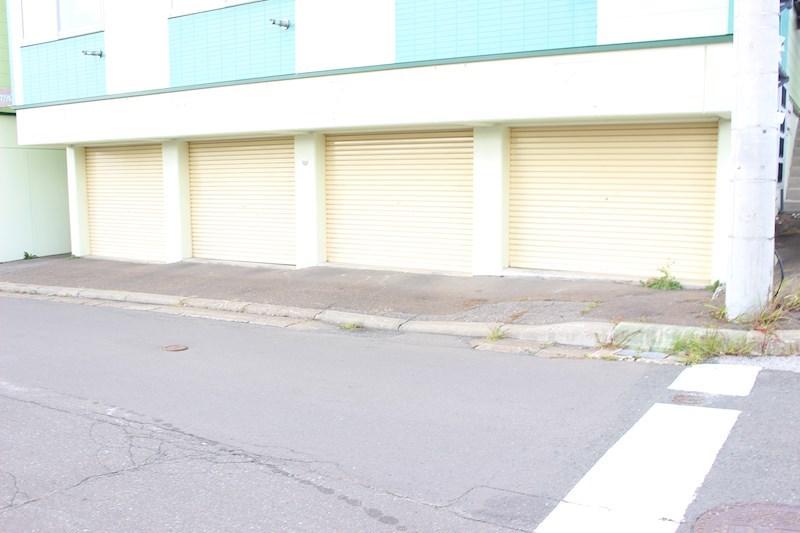 スリーエーマンション3 駐車場