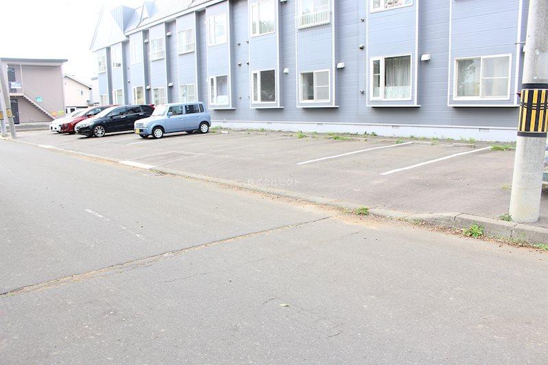 メゾンジョリ 駐車場