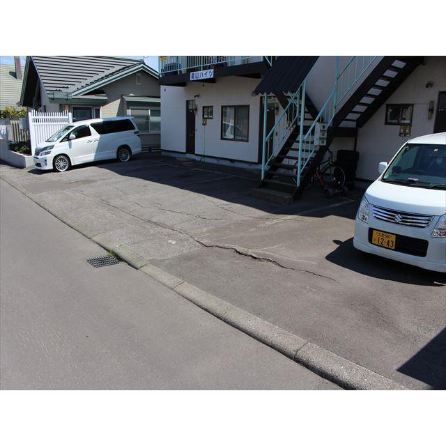 美山ハイツ 駐車場