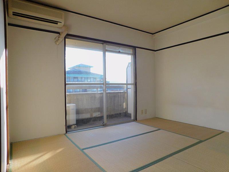 松川ビル ベッドルーム