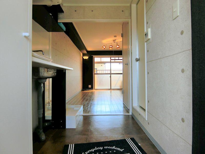 ハイツMOUNTAIN 玄関