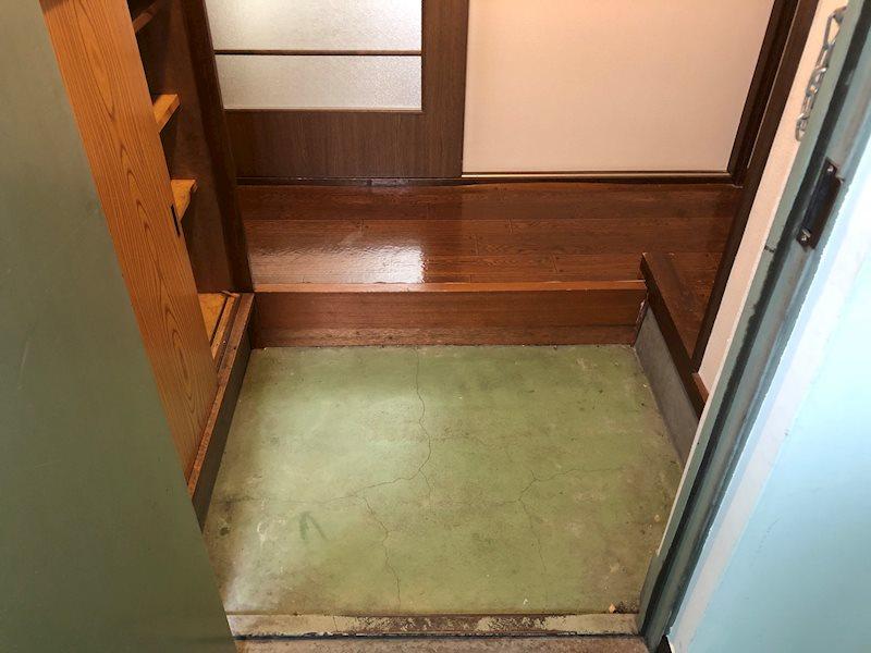 小林マンション 玄関