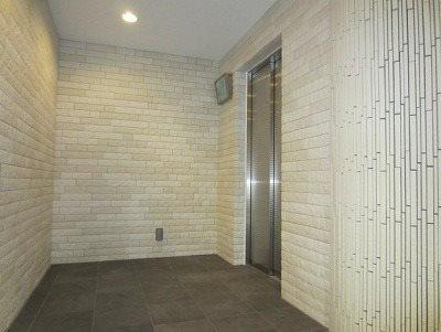 9人乗りのエレベーターでグランドピアノの搬入もラクラクです