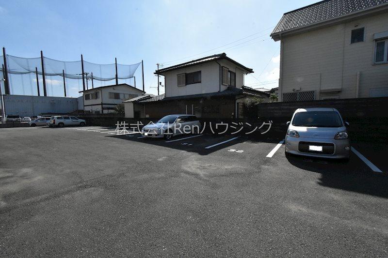 M97/70 駐車場