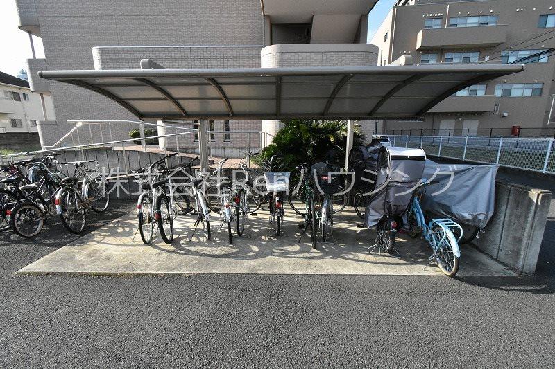 アップルコート 駐車場