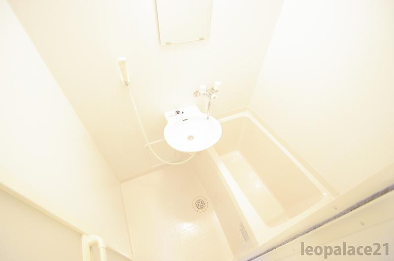 レオパレスプラスパ寿 風呂画像