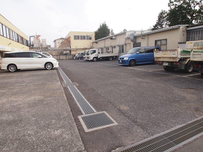 前沢ビジネスプラザ内駐車場 外観写真