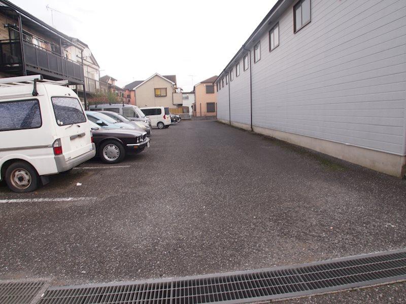 前沢ストックプラザ内駐車場 外観写真
