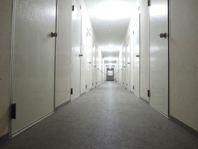 トランクルーム八尾 大号室 外観