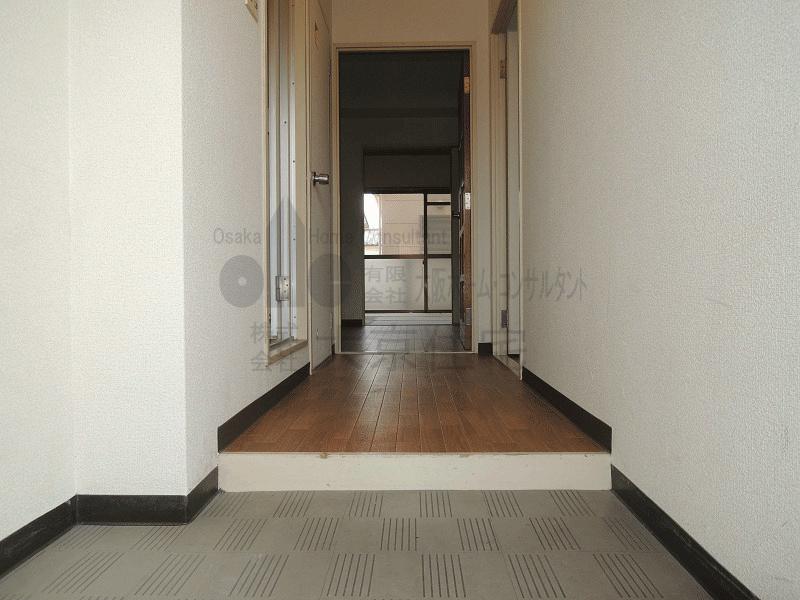 メゾンド石本 玄関