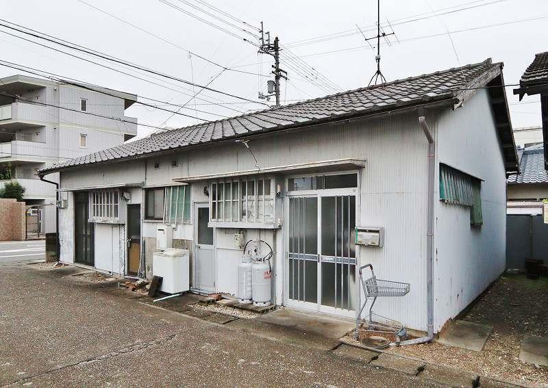 本谷事務所・倉庫 東から2番目号室 外観