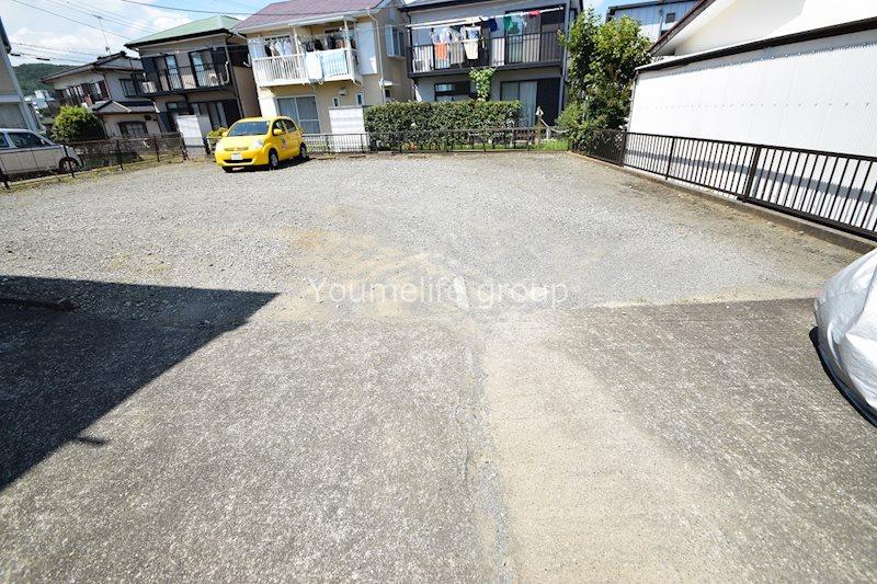 サンライズ鶴巻・壱番館  駐車場