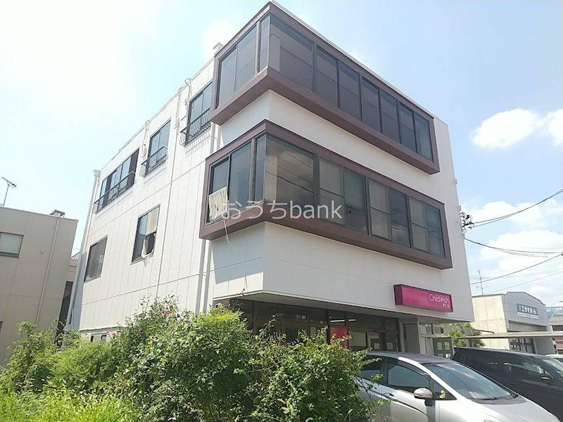 1.2階が店舗となり、最上階が居住スペースのビルです!
