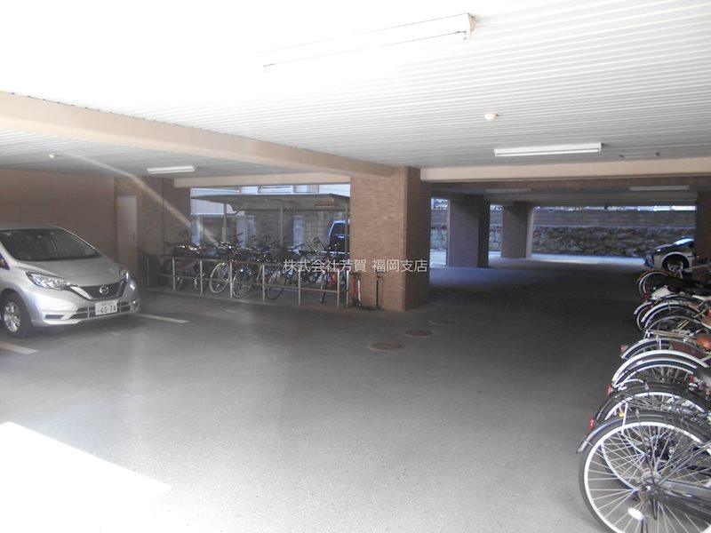 グランディール大濠 駐車場