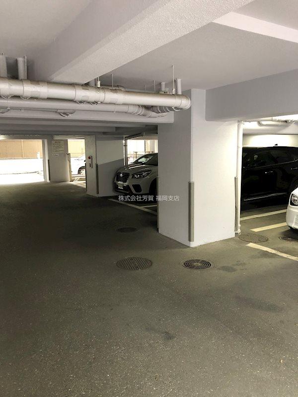 ダイナコート大濠公園ステーション 駐車場