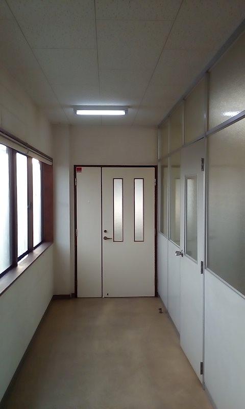 宇頭茶屋町貸事務所 2F 玄関