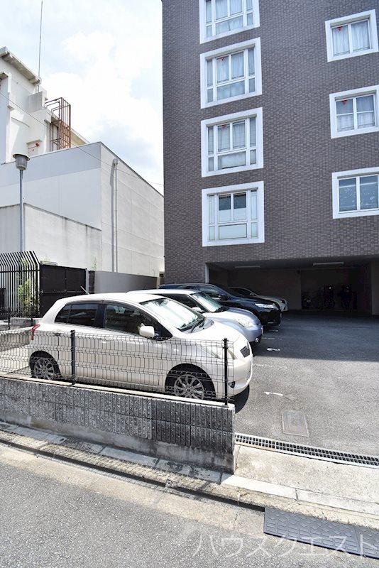 Viento深草 駐車場