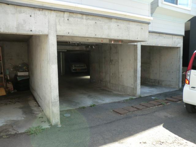 プライムハウス 駐車場